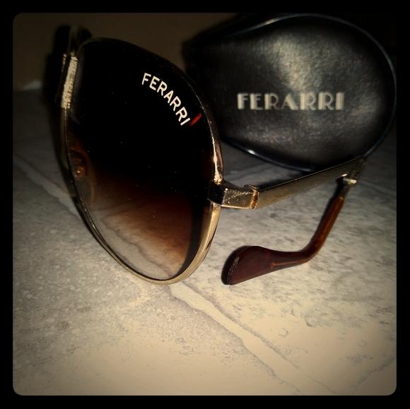 خزان النشاط الإشعاعي اختيار Ferrari Folding Sunglasses Musichallnewport Com